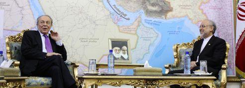 La visite de Rocard en Iran fait des remous