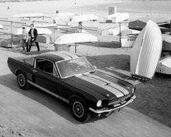 La premi�re Ford Mustang Shelby GT 350.
