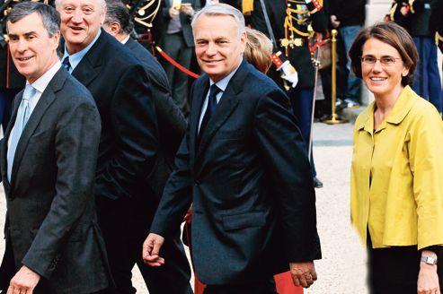 Jean-Marc Ayrault arrivant à l'Élysée pour la cérémonie de passation de pouvoirs entre Nicolas Sarkozy et François Hollande.
