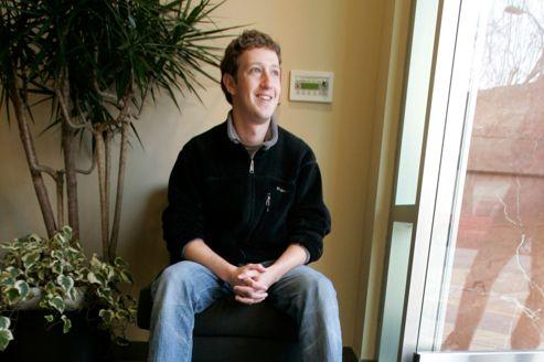 Facebook vise les 100 milliards pour son entrée en Bourse