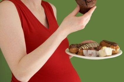 Les femmes enceintes ne doivent plus manger pour deux