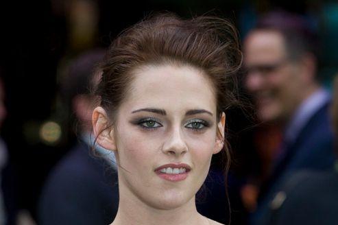 Pour la première fois de sa carrière, Kristen Stewart est en compétition au Festival de Cannes pour le film <i>Sur la route</i>.
