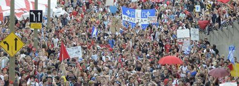 Montréal : nouvelle manifestation monstre pour la liberté de manifester
