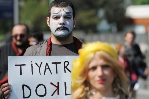 Le théâtre dans le collimateur du premier ministre turc