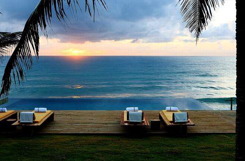 La plage de Barra de São Miguel est l'une des plages les plus renommées au Brésil.