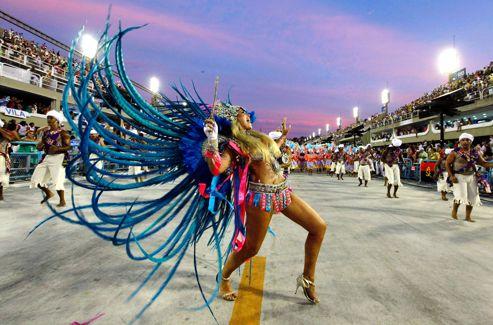 Le carnaval de Rio est considéré comme le plus grand carnaval du monde.