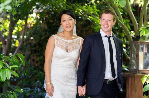 Mark Zuckerberg lors de son mariage avec Priscilla Chan, le lendemain de l'introduction en Bourse de Facebook.
