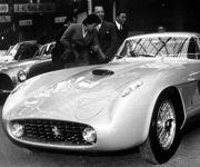En 1954, Roberto Rossellini a demandé à Pinin Farina de réaliser spécialement une 375 MM pour Ingrid Bergman.