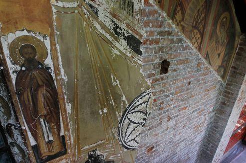 Saint-Serge pleure ses peintures détruites