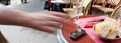 Paris: le circuit des téléphones volés vers la revente