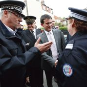 Contrôles d'identité: Valls inquiète la police