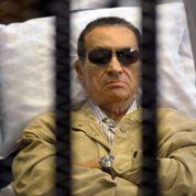 Condamné à la prison à vie, Moubarak fait appel