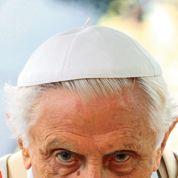 Les sept épines de la couronne de Benoît XVI