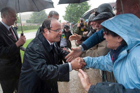 François Hollande, jeudi, à Ranville, près de Caen, pendant la célébration du 68e anniversaire du débarquement de Normandie.