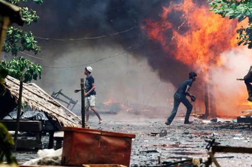 Des centaines de maisons ont été incendiées ce week-end, lors d'affrontements religieux entre les bouddhistes rakhines et les musulmans rohingyas.
