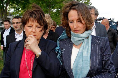 Ségolène Royal est soutenue par les barons du Parti socialiste, qui se sont déplacés à La Rochelle.