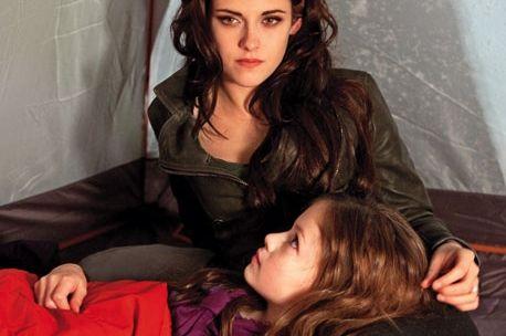 Twilight dévoile Renesmée, la fille de Bella et Edward