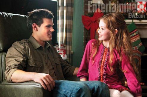 Jacob (Taylor Lautner) et Renesmée (Mackenzie Foy). (© Summit/EW)