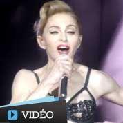 Madonna dévoile ses fesses en concert