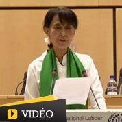 Aung San Suu Kyi ovationnée à Genève