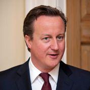 Cameron ouvre les bras aux riches Français