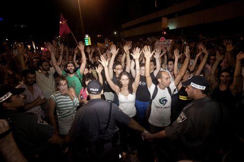 Des «indignés» ont manifesté ce week-end à Tel-Aviv. Après que la situation a dégénéré, 85 d'entre eux ont été arrêtés.