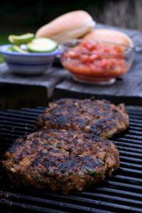 Les steaks hachés servis aux enfants doivent être cuits à coeur.