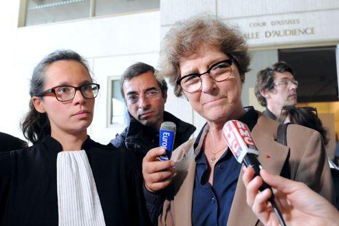 MeVanina Padovani, avocate de L'Enfant bleu-Enfance maltraitée, et Martine Brousse, directrice générale de la Voix de l'enfant. Les deux associations entendent déposer une plainte au pénal contre X pour non-assistance à personne en danger.