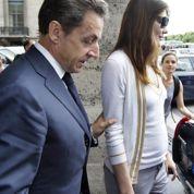Carla Bruni enceinte? L'entourage dément