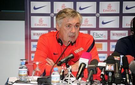 Ancelotti : «Trois joueurs en plus de Lavezzi»