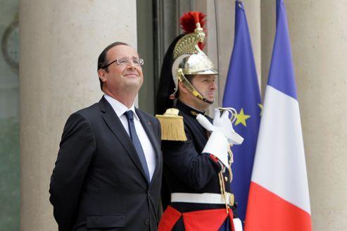 François Hollande, jeudi, sur le perron de l'Élysée.