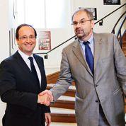 Hollande ouvre la concertation sociale