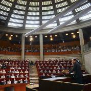 Hollande insiste sur la compétitivité