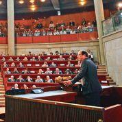 Hollande ouvre la porte à une hausse de la CSG