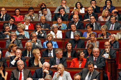 Les bancs du PS à l'Assemblée. L'aile gauche du parti, au même titre que le Front de gauche, est hostile au pacte de stabilité budgétaire adopté à Bruxelles.
