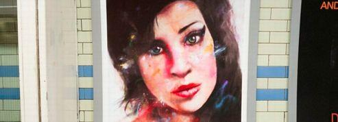Amy Winehouse s'affiche dans le métro londonien