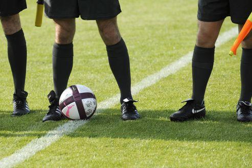 Plus de cent arbitres de football agressés par semaine