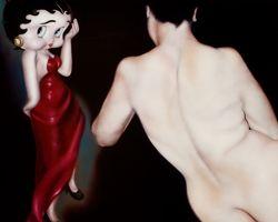 Dans les peintures de Mouna Rebeiz, Betty Boop devient un personnage à part entière.