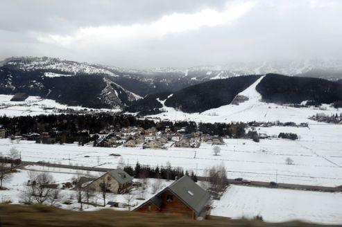 L'épaisseur du manteau neigeux devait passer de 1m à 60cm dans les Alpes du Nord et de 40 à 20cm dans les Alpes du Sud et les Pyrénées.