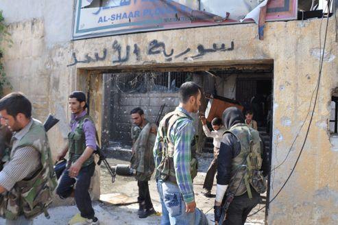 Mercredi, les forces rebelles ont pris le contrôle du commissariat du quartier de Sahar, à Alep.