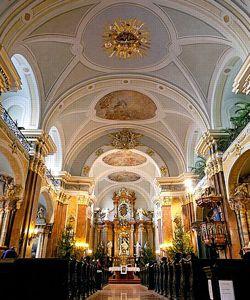 L'église franciscaine était pour Liszt, qui faisait partie du tiers-ordre de cette confrérie, un refuge où prier et jouer de l'orgue.