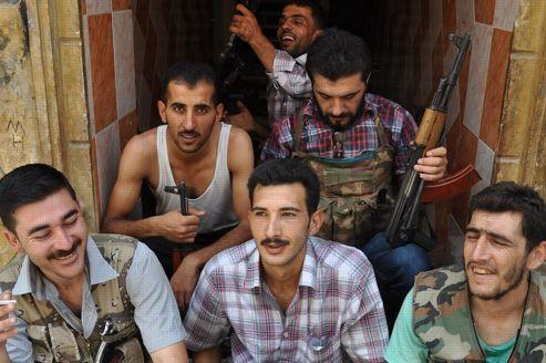 Un groupe de jeunes rebelle qui se battent à Alep dans le quartier de Salaheddine.