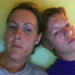 Les deux femmes, mercredi soir, aux urgences. Crédits photo: Marie-Ève Baron.