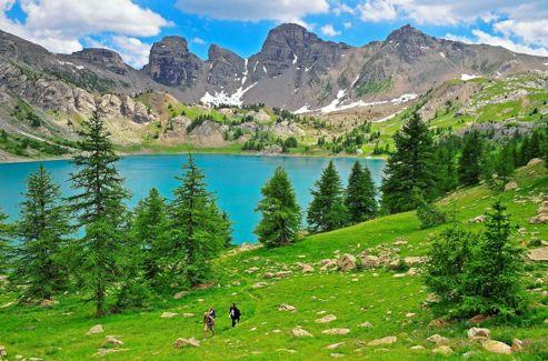 Perché à 2200 mètres d'altitude, le lac d'Allous est l'un des joayaux du parc national du Mercantour.