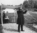 Le tireur suédois Oscar Swahn aux JO de 1912.