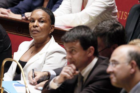 Christiane Taubira et Manuel Valls, sur les bancs du gouvernement à l'Assemblée nationale.