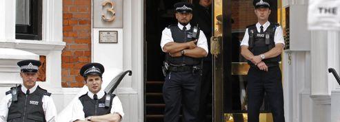 Julian Assange coincé dans son ambassade : les précédents