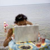 Accros au travail même en vacances