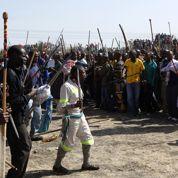 Afrique du Sud : la police tire sur des grévistes