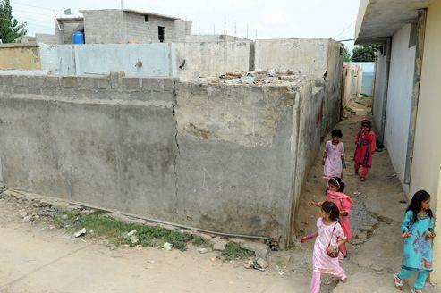 Dans le quartier de Mehrabadi à Islamabad, la maison de Rimsha Masih est désormais fermée. La famille a fui.